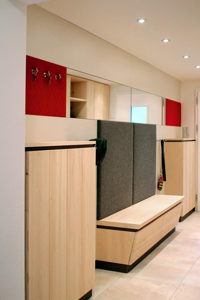 eingang garderobe rudi rehle b ro f r gestaltung m belwerkst tte aichach. Black Bedroom Furniture Sets. Home Design Ideas